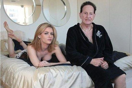 如今72岁的她与26岁的娇妻大晒幸福爷孙恋。   <div class=