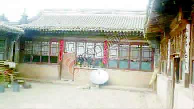 """三道沟村小五台山下的""""文化村"""""""