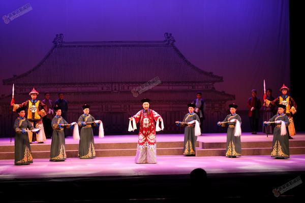 蔚县秧歌剧《魏象枢》公演受好评 蔚县秧歌剧《魏象枢》剧照。 武殿森 陈飞 摄