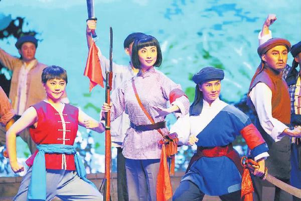 口梆子现代戏《杜鹃山》走进张家口市第一中学