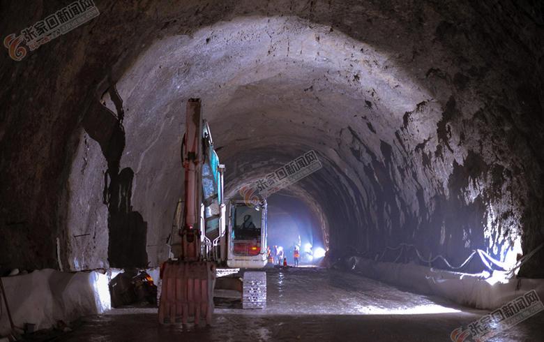 延崇高速隧道施工