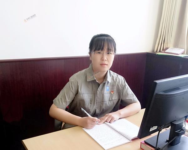 张文欣:非典那年我高考 工作中的张文欣。