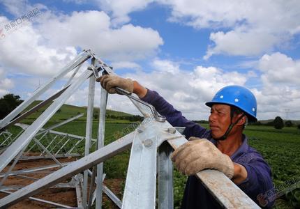 沽源县220千伏小河子变电站配套工程加紧建设