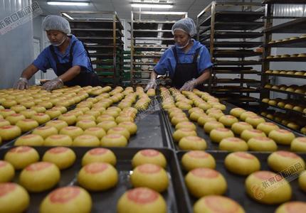 宣化:中秋月饼生产忙