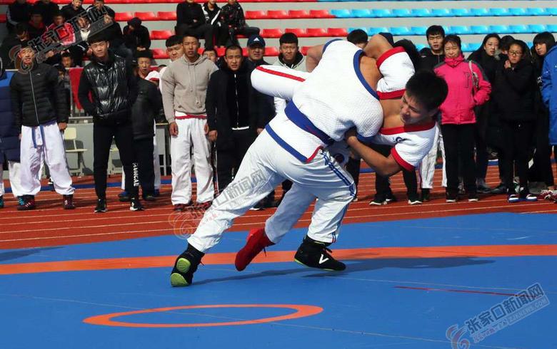 全國中國式摔跤精英賽在沽源舉行