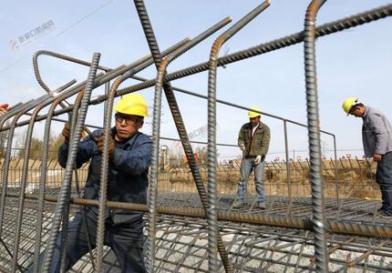 怀安:西洋河生态综合治理工程施工忙