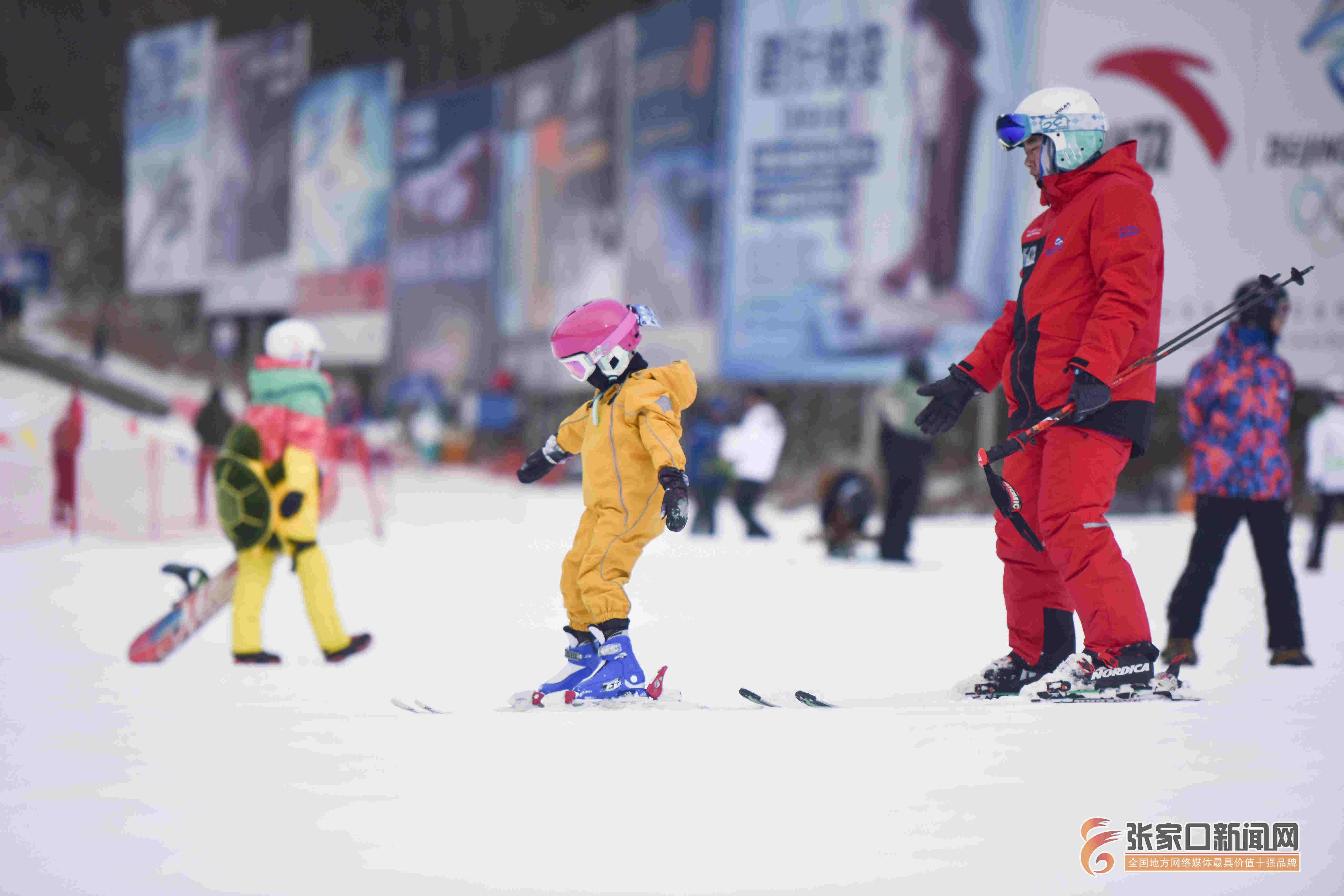 新闻资讯 崇礼滑雪日渐升温