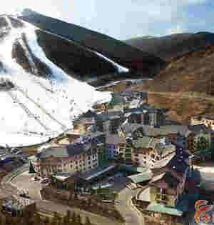 旅游产业飞速发展打造国际知名冰雪胜地