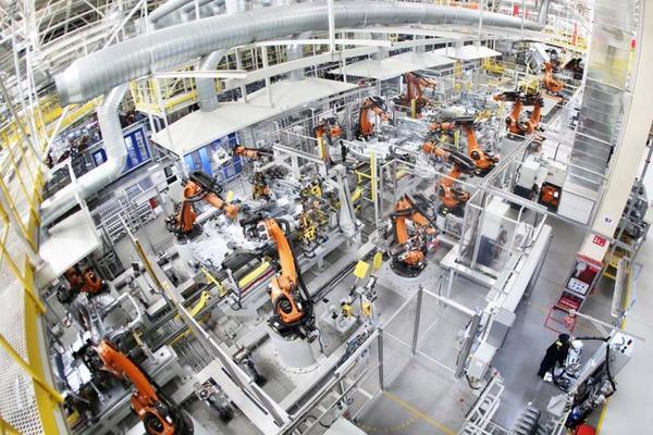 """""""工匠精神""""铸就行业标杆品牌 智能机械化的生产线确保生产产品提质增效。"""