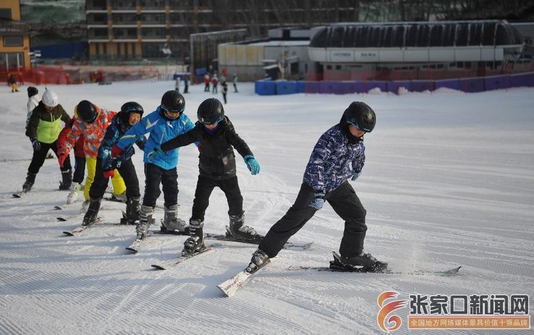 冰雪运动进校园