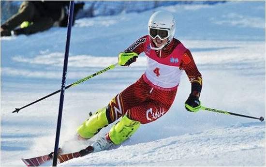 冬奥会比赛项目——?#25581;?#28369;雪