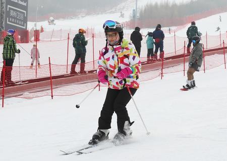 周末匯聚崇禮 體驗滑雪激情