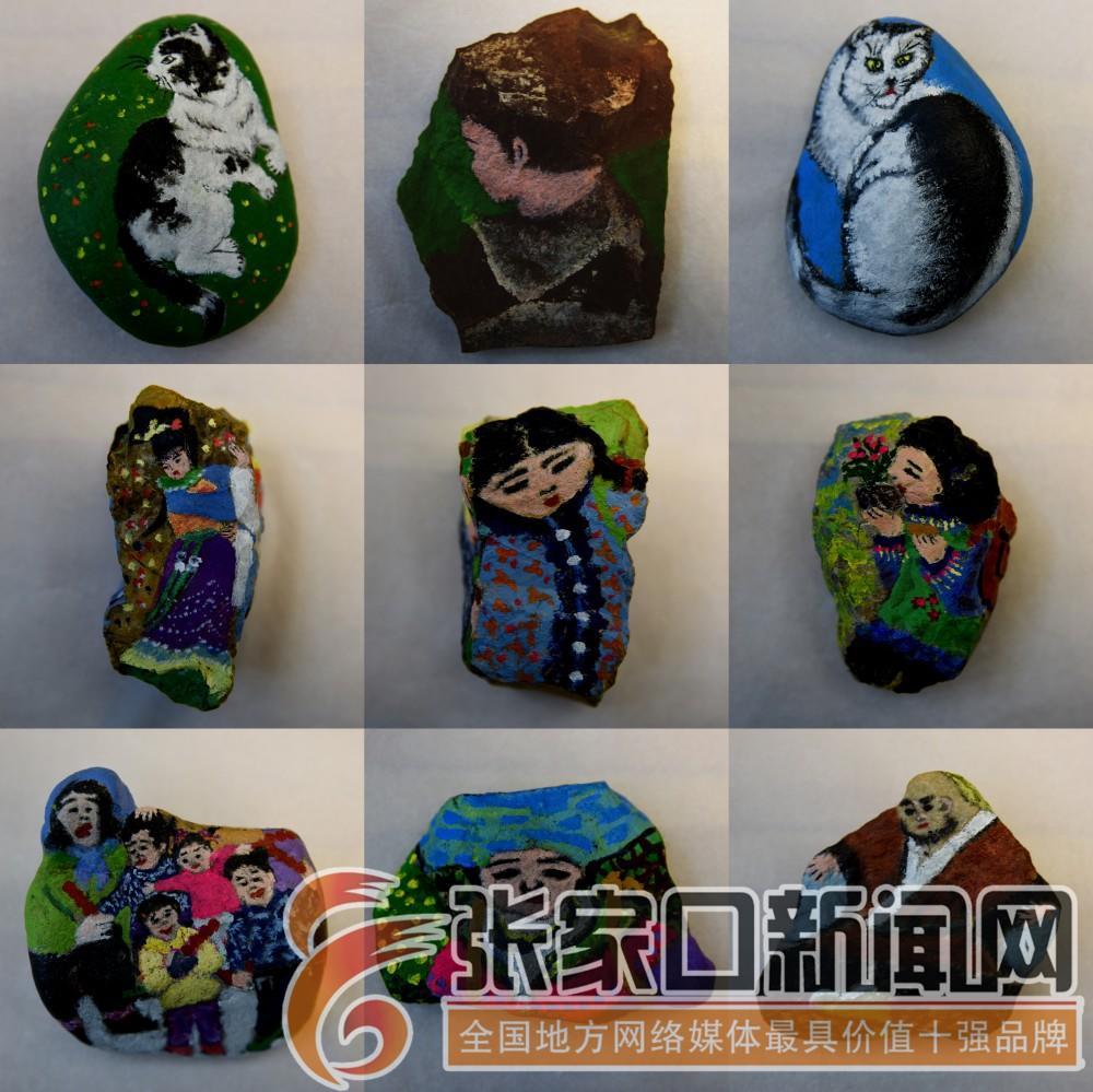 张振平:随形作画为顽石注魂 这张拼版照片显示的是宣化区张振平创作的石头画作品(2019年12月11日拍摄)。