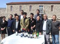 《塞上風云記》主創人員赴懷來瑞云酒莊開展公益助農直播