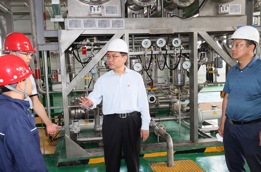 张家口市市长武卫东调研项目建设和企业发展