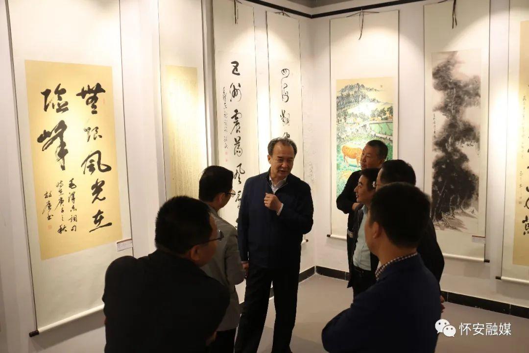 怀安县举办迎国庆书画展