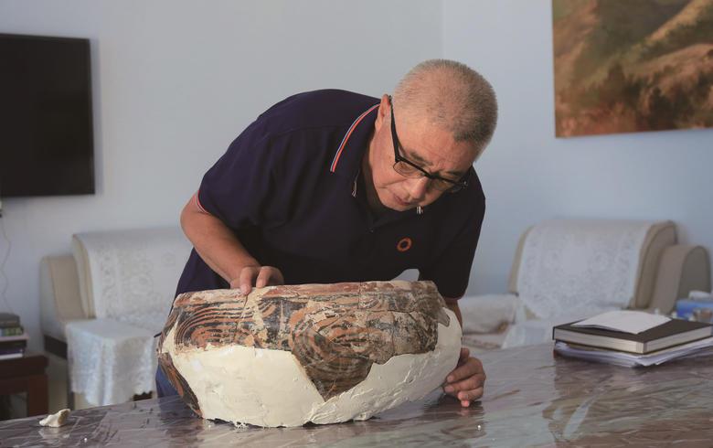 千年陶片 勾勒文化交流的印记 ——访张家口市文物考古学者陶宗冶